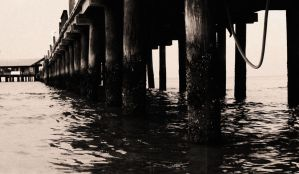 City Pier 'Old' by Manbehindthelens