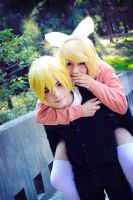 - Rin and Len Kagamine - 01 by Arrocito-chan