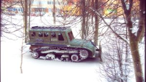 Snow tank - vintage by spidermc