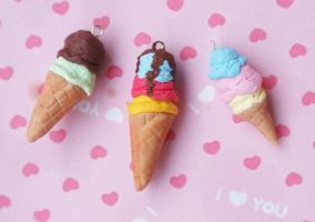 Ice cream cones craaazzze by xLilu