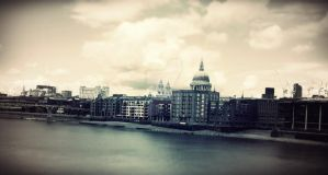 St. Paul's Cathedral by manifestContent