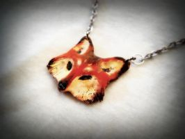 Fox pendant by Loputyn