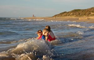 Kids at the beach 5 by RaynePhotography
