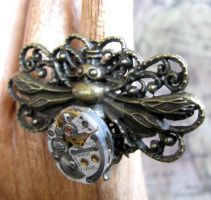 Steampunk bee ring by GraceCM