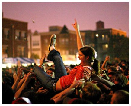 crowd surfing by claytes