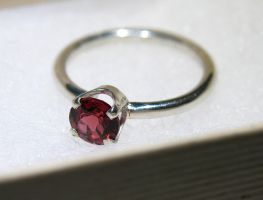 Garnet Solitaire Sterling Silver Ring by Utinni