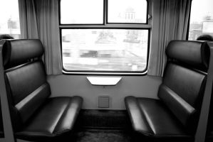 empty train seat by Spacebus