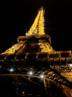 Eiffel Tower by jbvillain