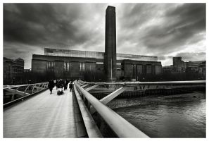 Coming back from Tate Modern by Bartekkw
