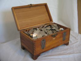 Treasure Chest 2 by Hjoranna