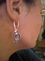 Treble Clef earrings by fairyfrog