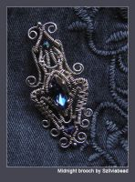 Midnight brooch by bodaszilvia