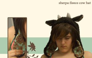 Sherpa Fleece Cow hat by cuddlecraft