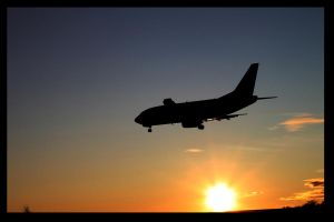 Landing with the setting sun by Lentaro92