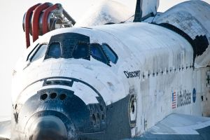 STS-133 Discovery Tow Back 3 by hansepe