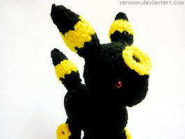 Umbreon Pokemon Amigurumi by yarnmon