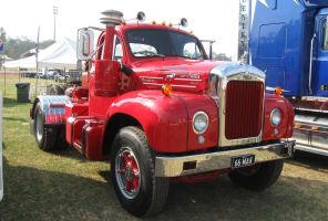 Mack B-model on display 6 by RedtailFox