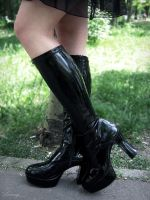 my new gothic boots by SannyLunny