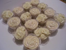 Wedding Cup Cakes by gertygetsgangster