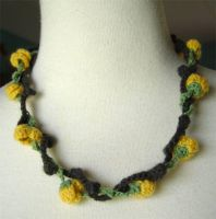 crochet yellow roses necklace by meekssandygirl