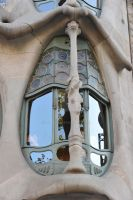 Casa Batllo's little window by jmbtech
