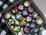 Alice In Wonderland cupcakes. by mini-meows