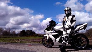Yamaha R1 - Girl on Bike Part II by KaylaDavion