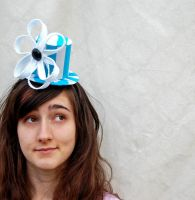Tiny Top Hat: Blue Daisy Zipper by TinyTopHats