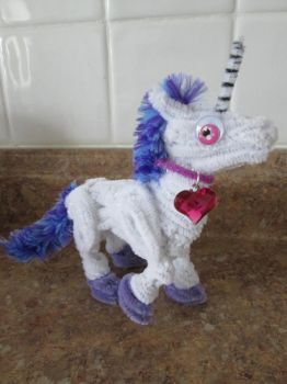 Small Pipe Cleaner Unicorn 2 by DarkSaberCat