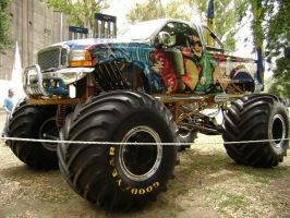 Monster truck by prorider