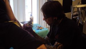 Ben tattooing by hulfie