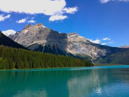 Glacier Lake in Canada by BramaLlama