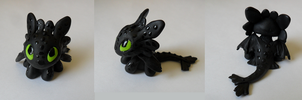 Chibi Toothless sculpture by mysticgaia