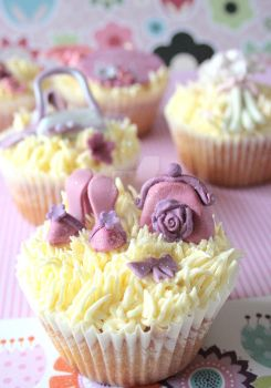 couture cupcakes by ZaLita
