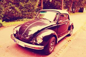 sweeet car LOL :D by MaithaNeyadi
