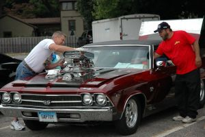 red muscle car, big engin by JLIFIII