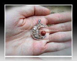 'Autumn Moon' sterling silver pendant by seralune