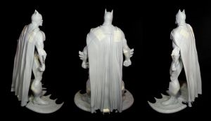 Batman statue by figuralia