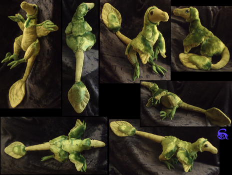Feathered velociraptor-plushie SOLD by IsisMasshiro