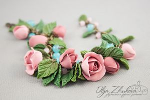 Bracelet with roses from polymer clay by polyflowers