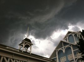 Thunderstorms Rolling In by ShadowsoftheRose