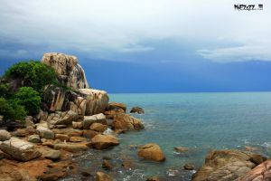 Parai Beach Rock Island by MikEZzZZ