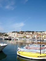 Cassis by foil-duck
