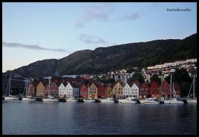 Bryggen by night by airtobreathe