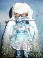 monster high custom repaint daughter of mr freeze by Rach-Hells-Dollhaus