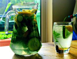Lemon, Cucumber and Mint Water by sameera95