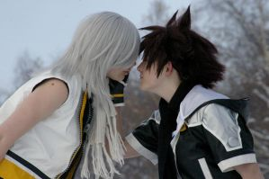 A little closer by CoupleCosplayers