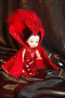 Queen of Hearts Mini Mackie by redambrosia