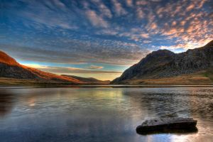 Llyn Idwal Sunrise by CharmingPhotography