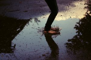 happy feet by justashadowleft